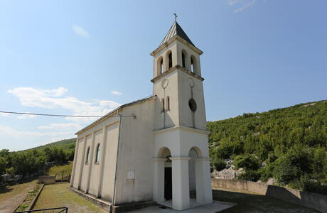 St. Luke's Church, Liska